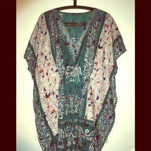 Dresses & Skirts - Caftan mini dress